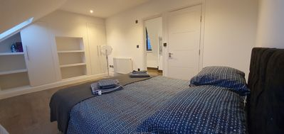 Photo for Luxurious 1 Bed Apartment near Wimbledon Tennis