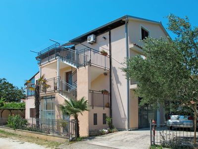 Photo for Apartment Ruza (PUL610) in Pula - 8 persons, 4 bedrooms