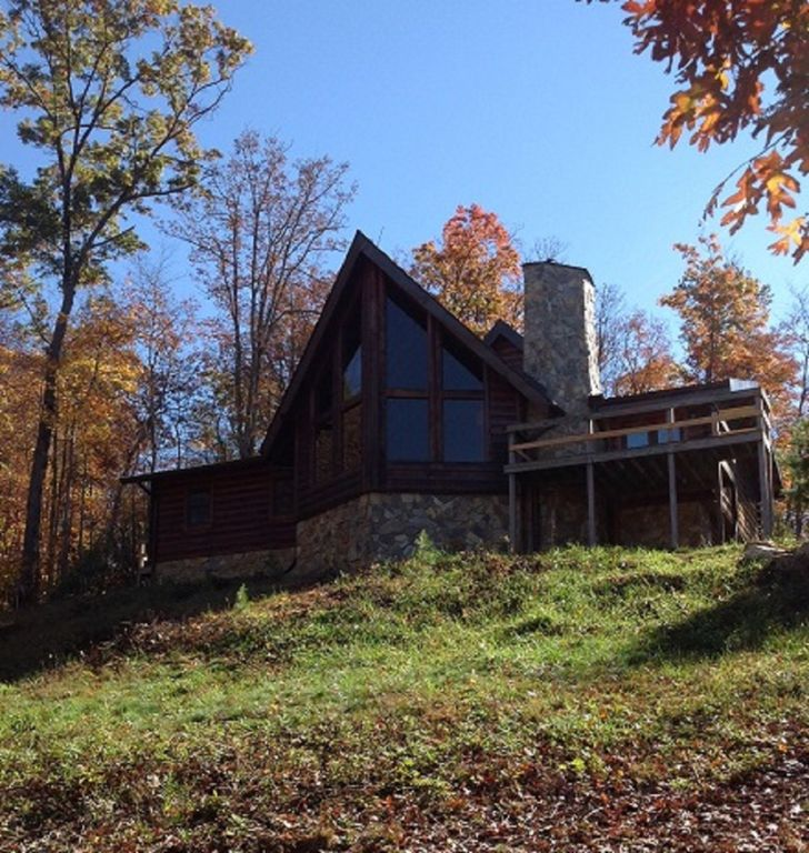 East tennessee large mountain log cabin elizabethton for Large cabin rentals in tennessee