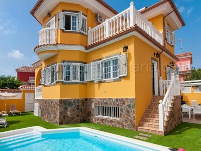 Photo for 4 bedroom Villa, sleeps 8 in Maspalomas with Pool, Air Con and WiFi