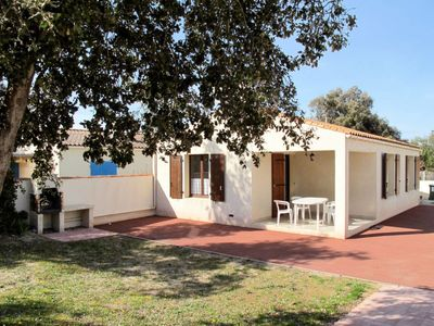 Photo for 2 bedroom Villa, sleeps 5 in Chaucre