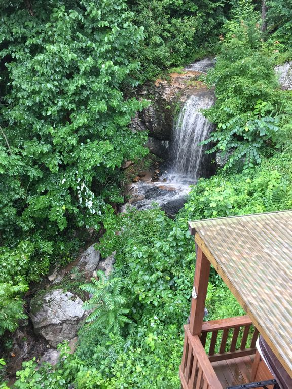 Tranquil Log Cabin With Waterfall Near Chim Vrbo