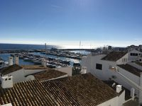 Centrally located right in the heart of Puerto Banus