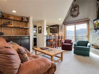 R2138 by Mountain Resorts:~Easy Access to Winter Activities~Pool, Hot Tub & Fitness Center~
