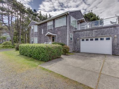 Photo for Oceanview home with Ping-Pong & a lovely deck, walk to the beach!