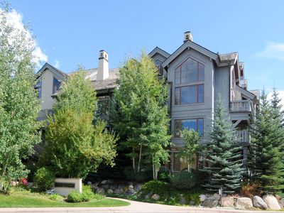 Photo for Great Ski in Ski out 2 bdrm/2 bath Condo in Arrowhead- Christmas dates available