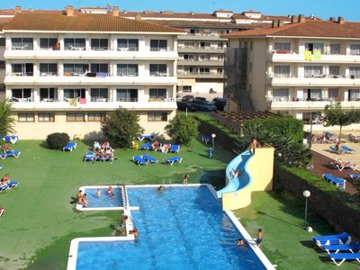Photo for One bedroom Apartment, sleeps 4 in l'Estartit with Air Con and WiFi