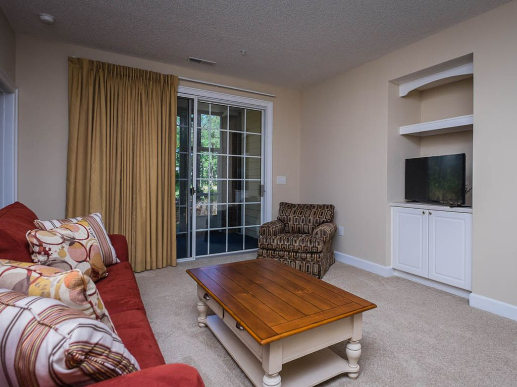 Three Bedroom Resort Villa At Greenbriar 113 In Barefoot Resort North Myrtle Beach Myrtle