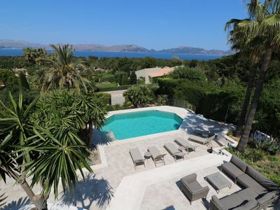 Photo for Villa in a fantastic location with sea views and large pool area, pool heating