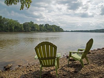 Photo for Enjoy Breezes on the James River, 2bdrm-1bath / 15 minutes to downtown  Richmond