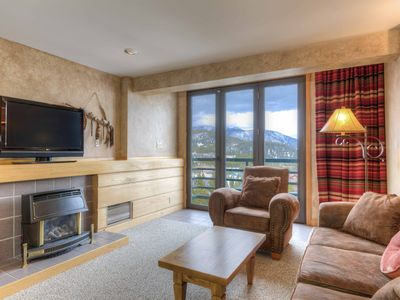 Photo for Instant book. Stay tonight! Luxury Shoshone Ski-In/Ski-Out Condo - pool / spa