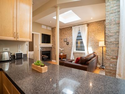 Photo for Great Location!! Oldtown/Lincolnpark Close to Downtown & El