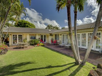Photo for Hale Huna - fully air conditioned 4 BD 3 BTH, short walk to beaches