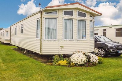 6 berth accommodation at California Cliffs Holiday Park.