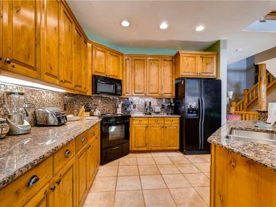 Photo for Beautiful Mtn Condo! Huge Pool, Hot Tubs, Fitness Center Onsite!