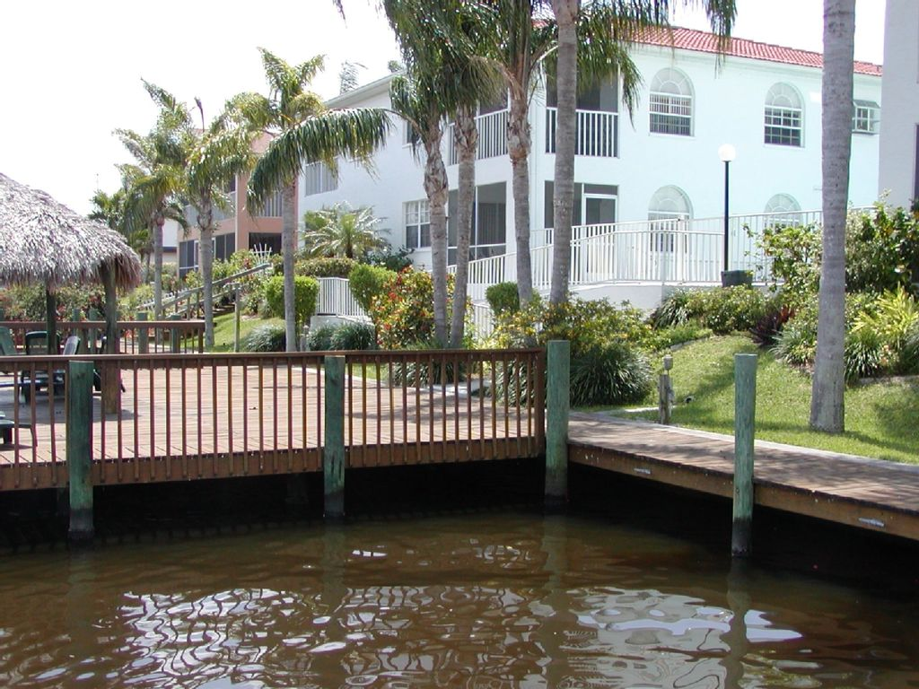 Best Buy Affordable Amp Beautiful Waterfront Condo W Sunbathing Deck