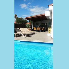 Luxury villa - private heated pool, all ensuite, free WiFi, close to golf.