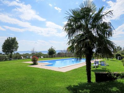 Photo for Beautiful apartment for 7 people with WIFI, pool, TV, balcony and parking