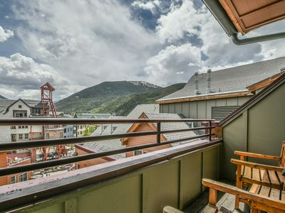 Photo for Updated condo in the Village! Great for families!  Walk to Gondola, restaurants and Summer Festivals