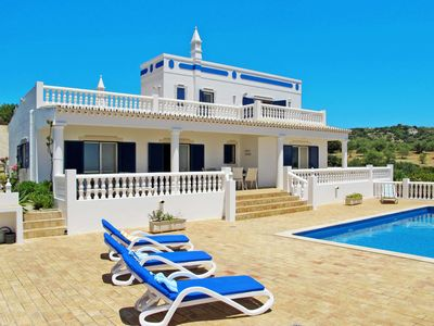 Photo for This 3-bedroom villa for up to 6 guests is located in Estoi and has a private swimming pool, air-con