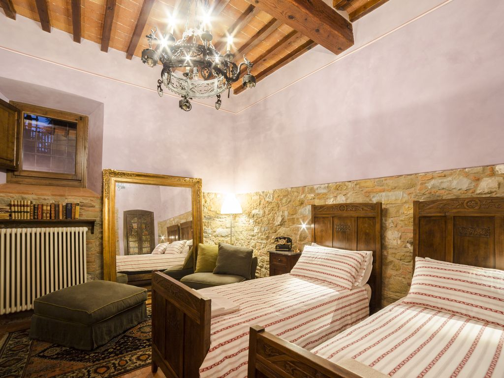 Charming guest house historical center arezzo tuscany for Tuscan view guest house