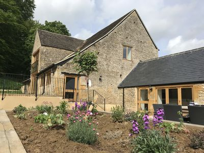 Photo for Luxurious Cotswolds Barn Conversion nr Stow