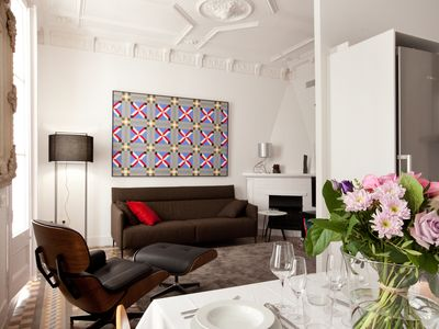 Photo for Impressive modernist apartment 20 mtrs from Paseo de Gracia