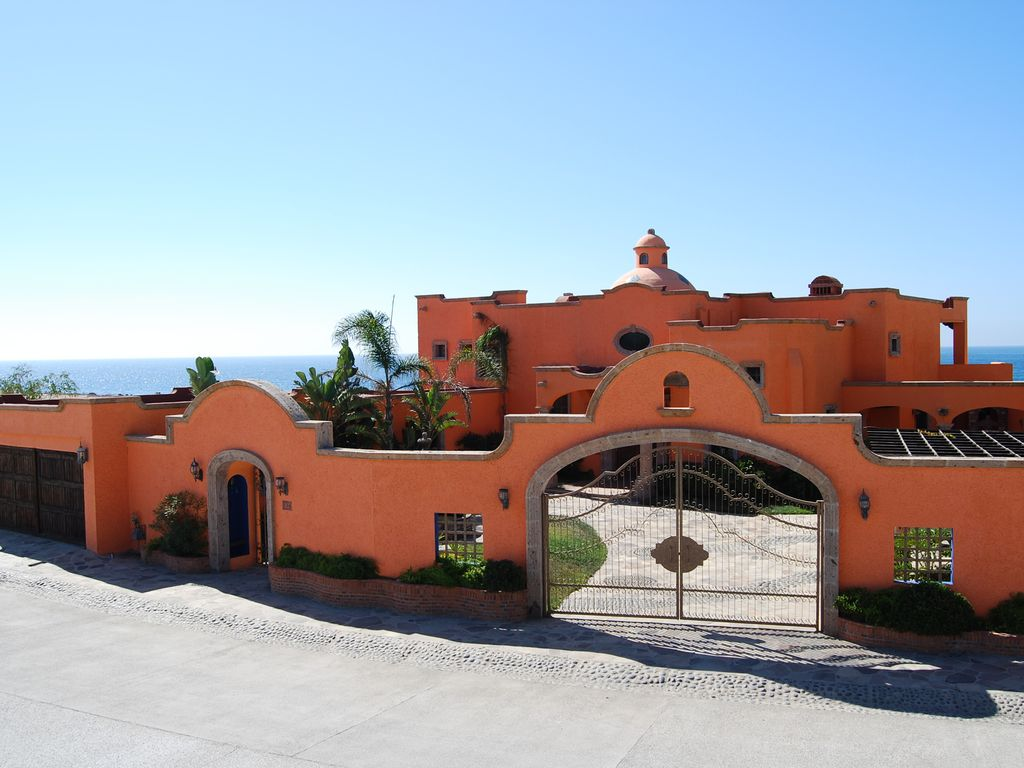 Hacienda Punta Piedra Baja Ocean Front Retreat Between Rosarito Ensenada