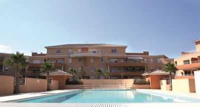 Photo for Béziers 76m2; 1 to 6 pers terrace of 15m2 heated pool, air conditioning, calm sea