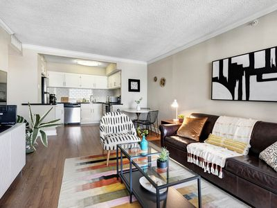 Photo for Spacious high-rise apartment w/ a shared pool, fitness room, & city view