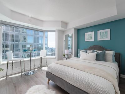 Photo for Upscale Yorkville Condo (Yonge & Bloor)
