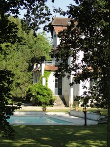 Photo for large villa with pool near CHABLIS and the Burgundy canal