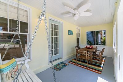 Sit, swing, stay awhile! Relax on the screened porch and enjoy the outdoors
