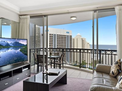 Photo for Chevron Renaissance Level 17 - Beautiful Ocean view, close to the beach.