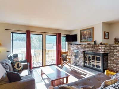 Photo for Lovely lakeview condo with a shared hot tub - near attractions!