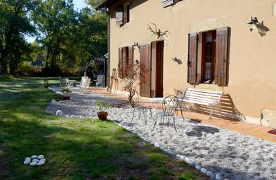 Photo for Bed and artists house in the Landes forest