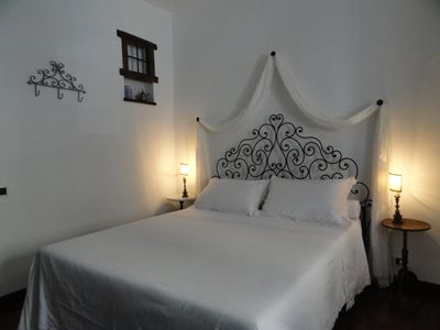 Photo for Lovely apartment a stone's throw from the Coliseum. 2 bedrooms, WiFi