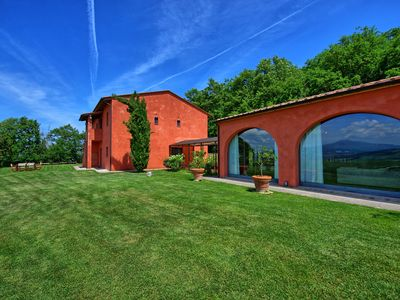 Photo for Imposing villa with private swimming pool, 7 bedrooms and panoramic views