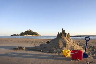 Jowders holiday cottage, St Michael's Mount - just 200m away. Marazion, Cornwall