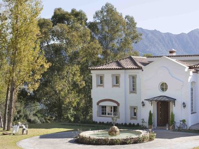 Photo for Family & Pet friendly Luxury Country Estate, with Heated Indoor Pool.