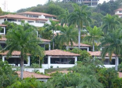 My villa is the one with the hammock. Half of the villas are privately owned and the other half are in Time share