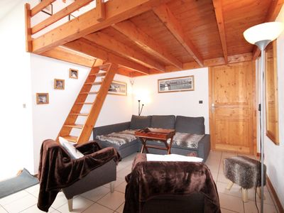 Photo for Friendly apartment 3/4 rooms on 2 levels, 63 m ², 6/8 pers, living room, 3 bedrooms of (which 1 in mezzanine) 2 toilets, center village, near ski tracks and ski school