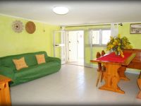 Excellent apartment, very close to all amenities and lovely safe beach.