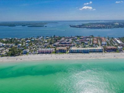 Photo for OPEN APRIL 11TH - 24TH  TIME TO BOOK FOR EASTER   NEWLY REMODELED 2 BD X 2 BA CONDO # 262     SLEEPS 6         CLOSE TO POOL  1 PET UP TO 20#  (SEE PET FEES BELOW)