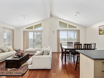 Photo for 3BR House Vacation Rental in Wimbledon Heights, VIC