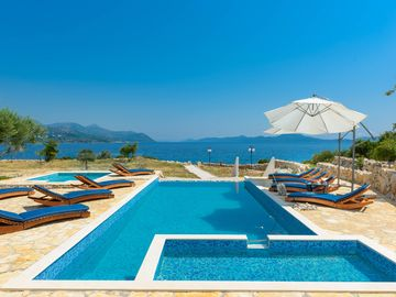 Great Deal - Direct Contact - HolidayVilla online booking