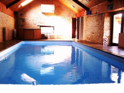 Photo for Perigord house with heated indoor pool and jacuzzi 28 °