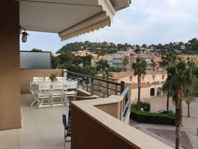 Photo for Apartment Cavalaire-sur-Mer, 2 bedrooms, 6 persons