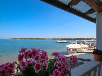 Photo for Holiday apartment with air conditioning and located near the sea