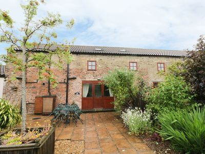 Photo for THE GRAINERY, luxury holiday cottage in Beverley, Ref 961673